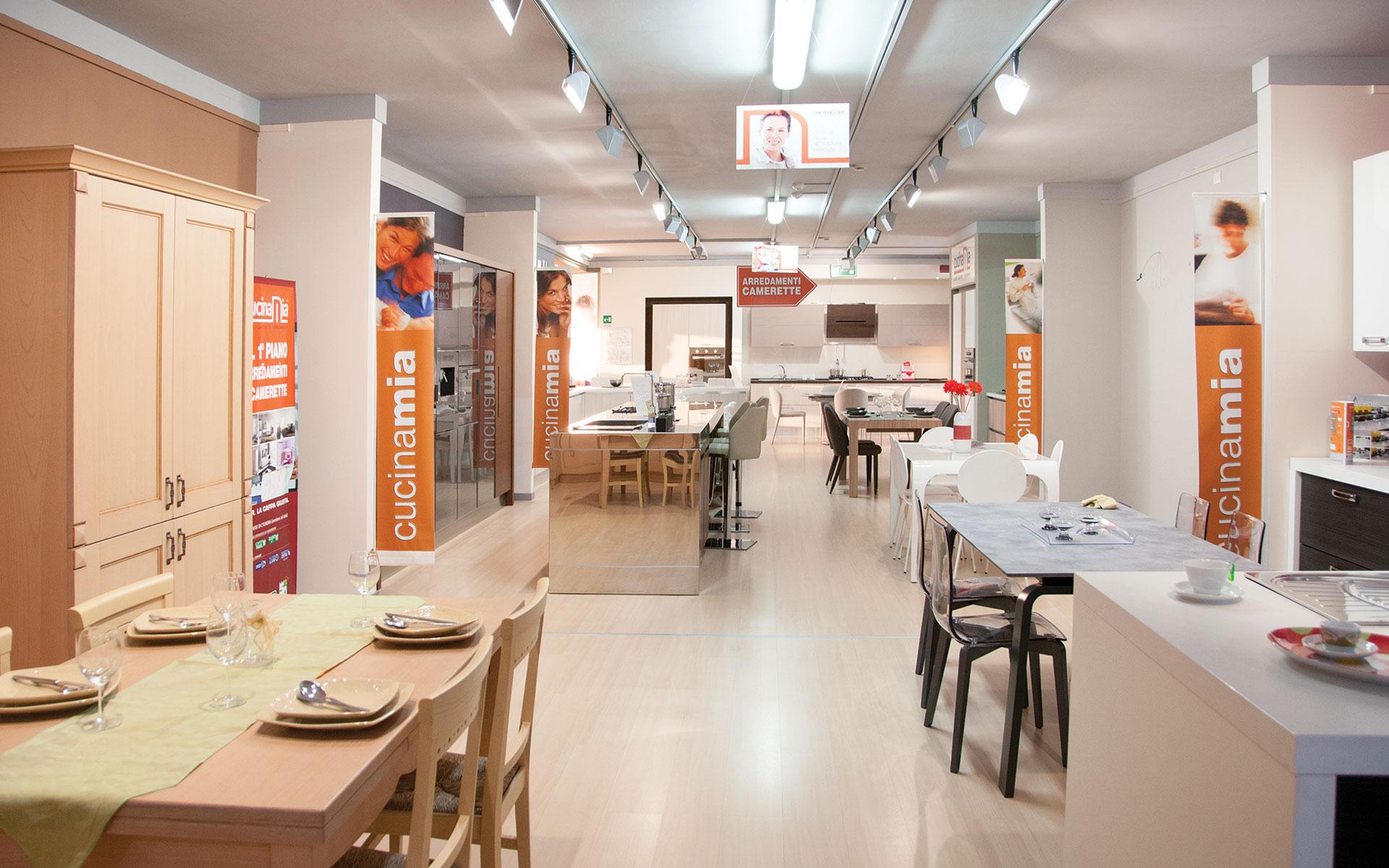 Centro arredamenti napoli simple camerette oscar with for Casa italia arredamenti napoli